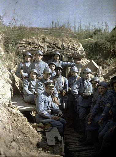 French soldiers in the frontline trenches