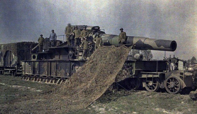world-war-i-color-photo-railcar-seige-gun