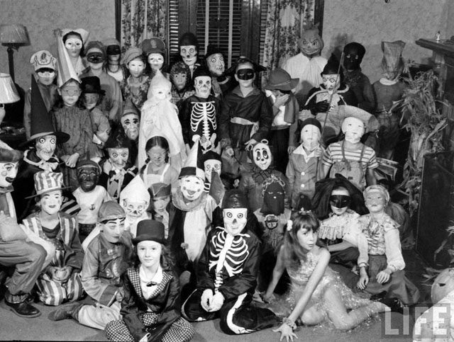 Childrenu0027s Halloween costume party - 1941 & Vintage Photo Wednesday Vol. 15: Vintage Halloween Costumes ...