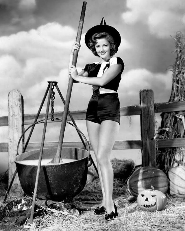 Vintage Halloween Hollywood Actress Pin-Up - Martha Vickers