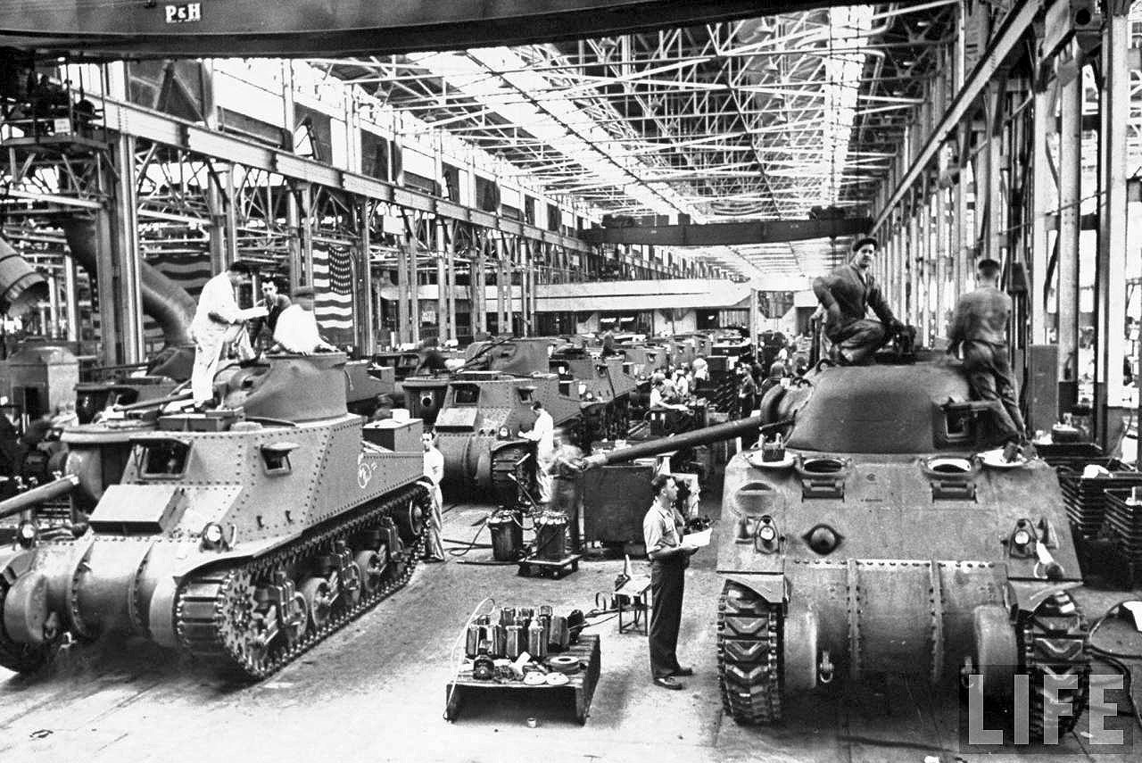 Time Capsule: Vintage Detroit Car Maker World War II Production Photos