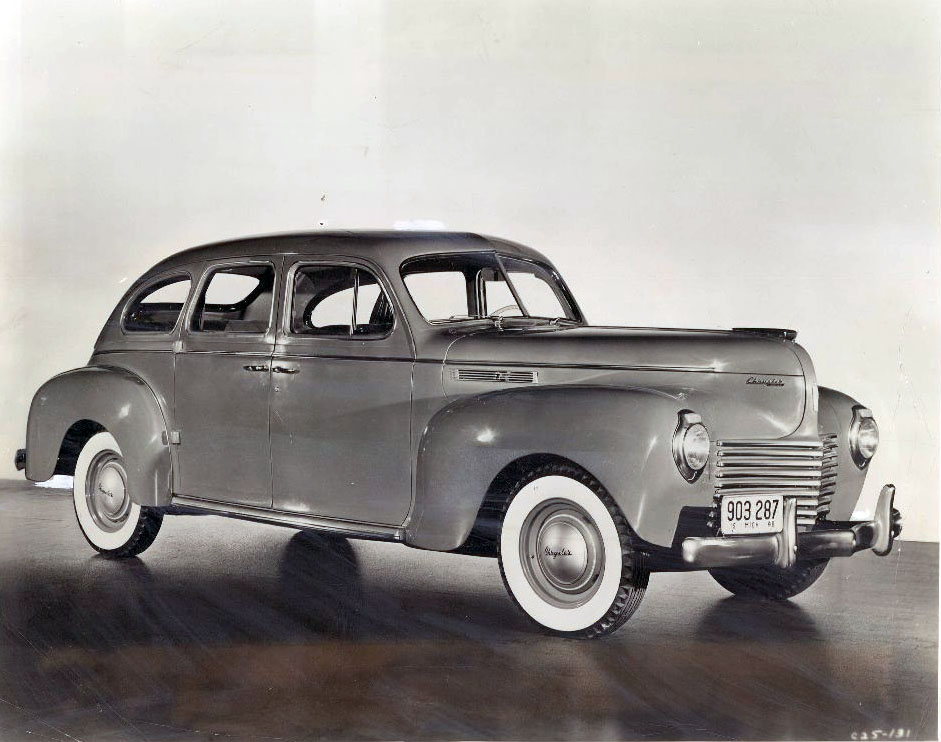 1940 Chrysler Royal 6-passenger sedan wire photo