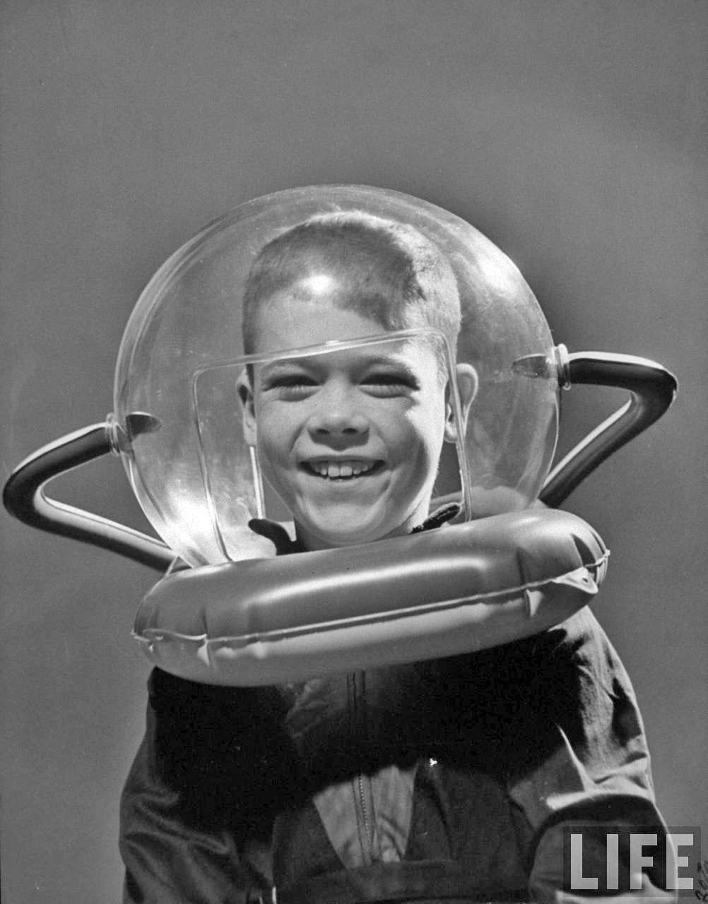 Rocket Ship Prize boy with space helmet