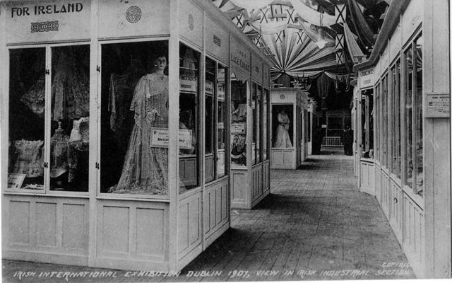 Vintage World's Fair postcard - Dublin (1907)
