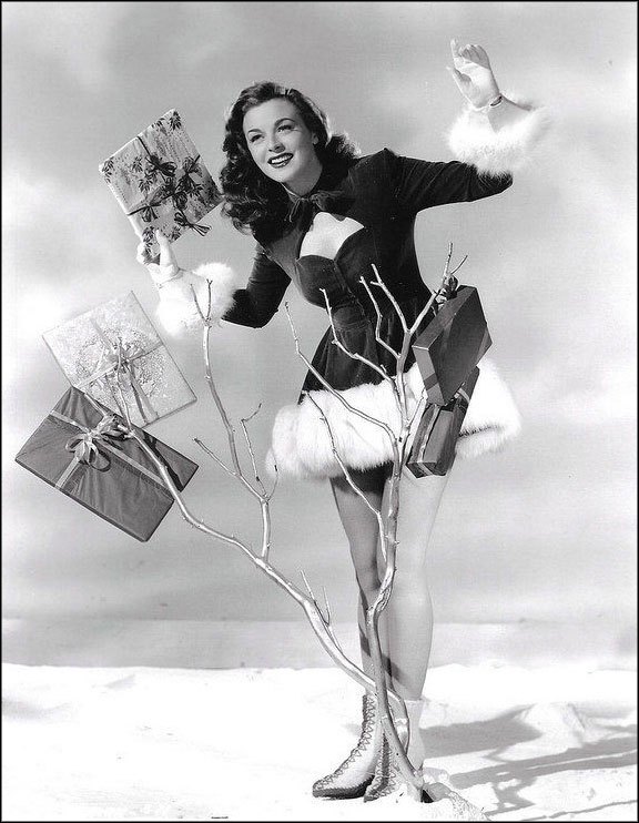 The 12 Vintage Pinups of Christmas | grayflannelsuit.net