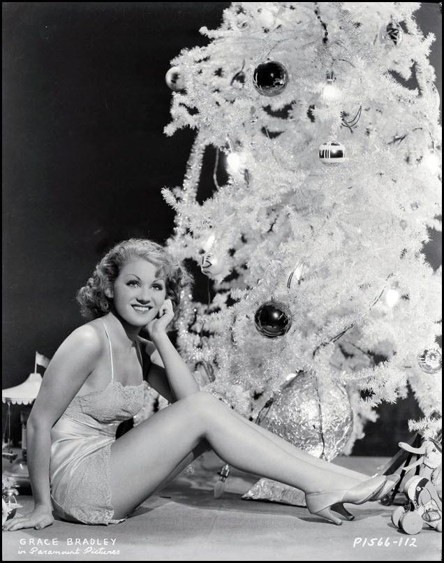 Vintage Christmas pinup - Grace Bradley