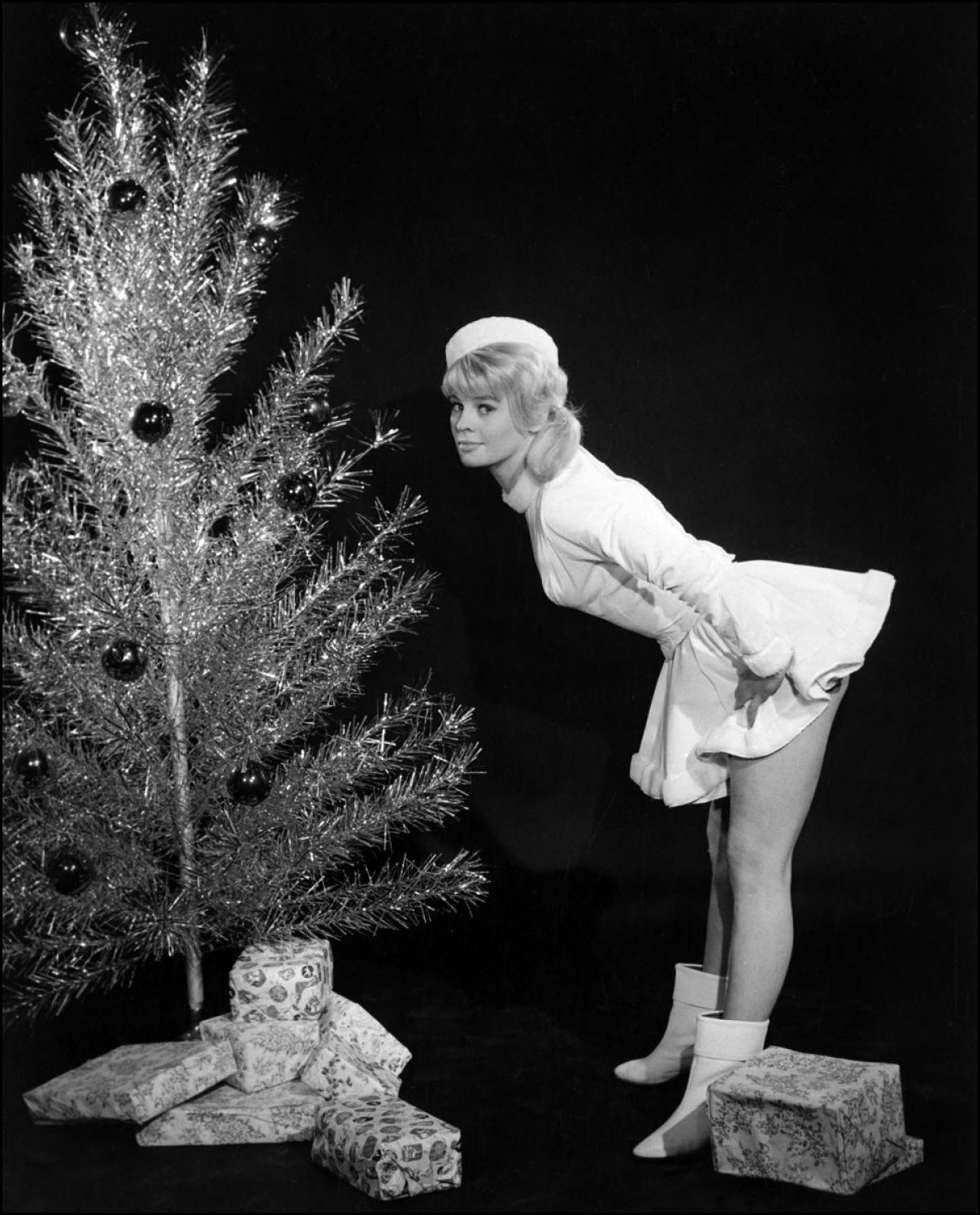 Vintage Christmas pinup - Julie Christie