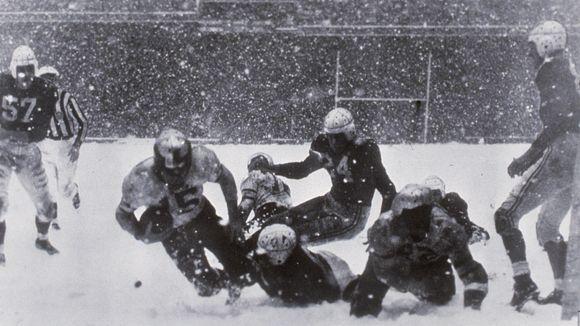 Steve Van Buren of the Philadelphia Eagles scores the only touchdown in the 1948 NFL Championship