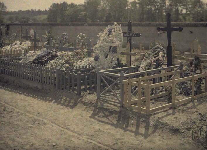 Tombs of the soldiers killed on May 14th in Laffaux.