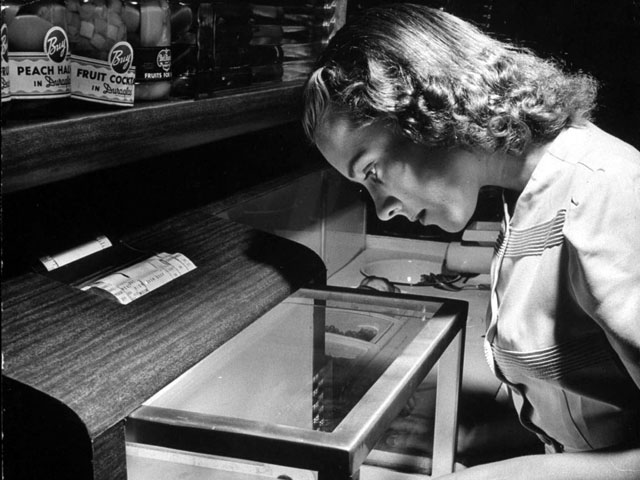Vintage Photo Wednesday, Vol. 14: The Kitchen of Tomorrow (Life, 1943)
