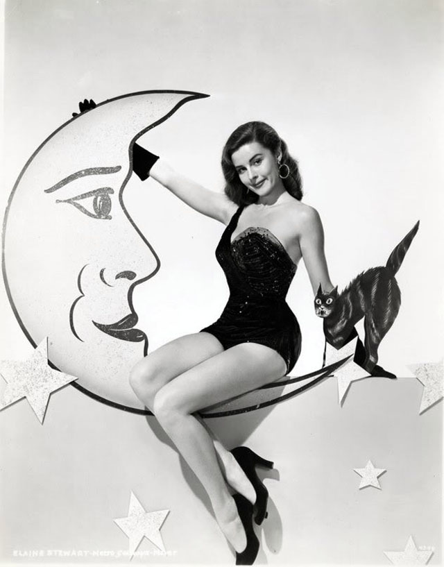 Vintage Halloween Hollywood Actress Pin-Up - Elaine Stewart