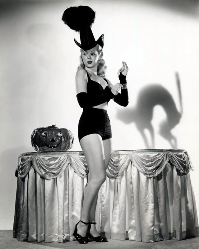 Vintage Halloween Hollywood Actress Pin-Up - Adele Jergens
