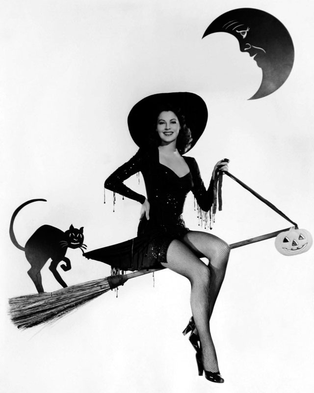 Vintage Halloween Hollywood Actress Pin-Up - Ava Gardner