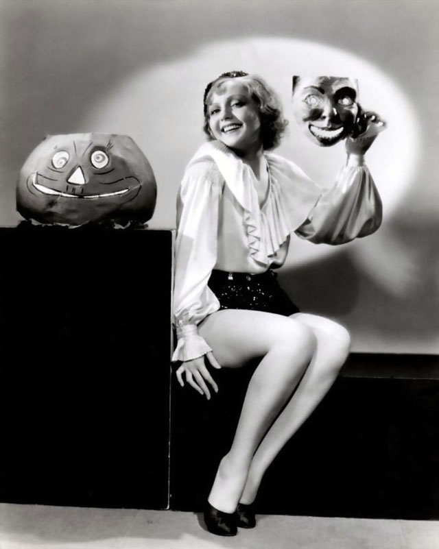 Vintage Halloween Hollywood Actress Pin-Up - Nancy Carroll