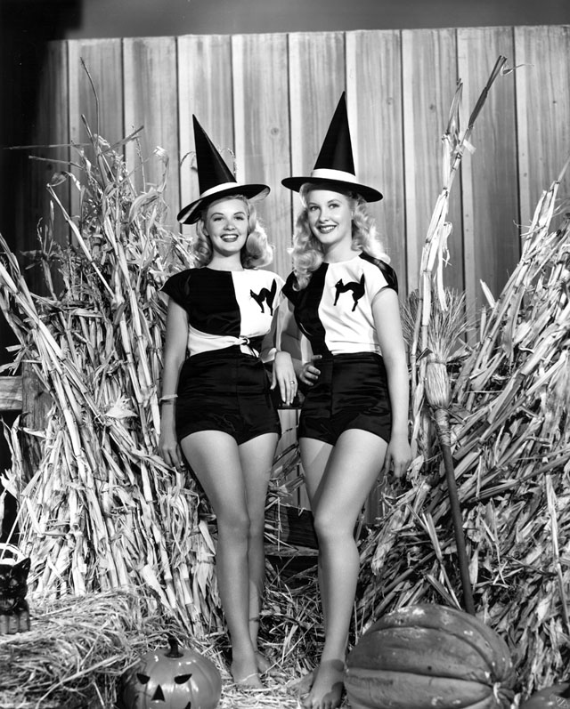 Vintage Halloween Hollywood Actress Pin-Up - Penny Edward and Barbara Bates