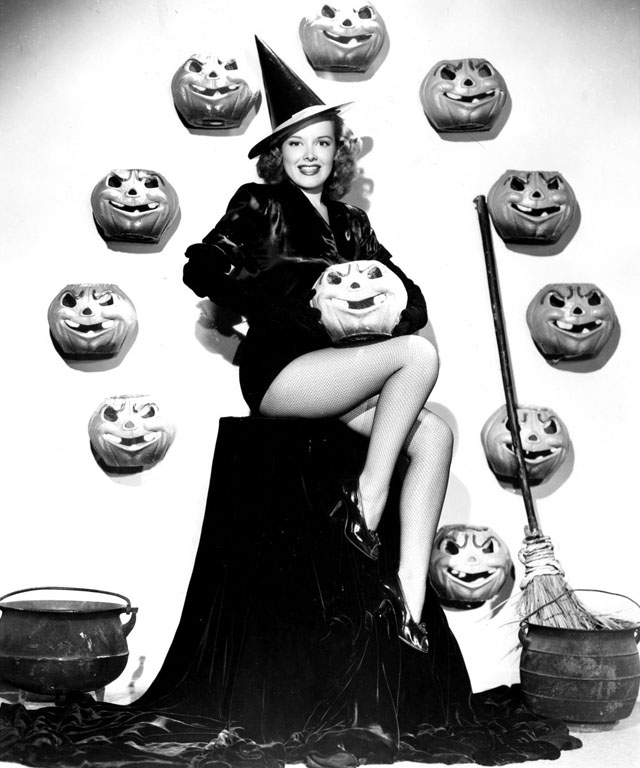 Vintage Halloween Hollywood Actress Pin-Up - Virginia Welles