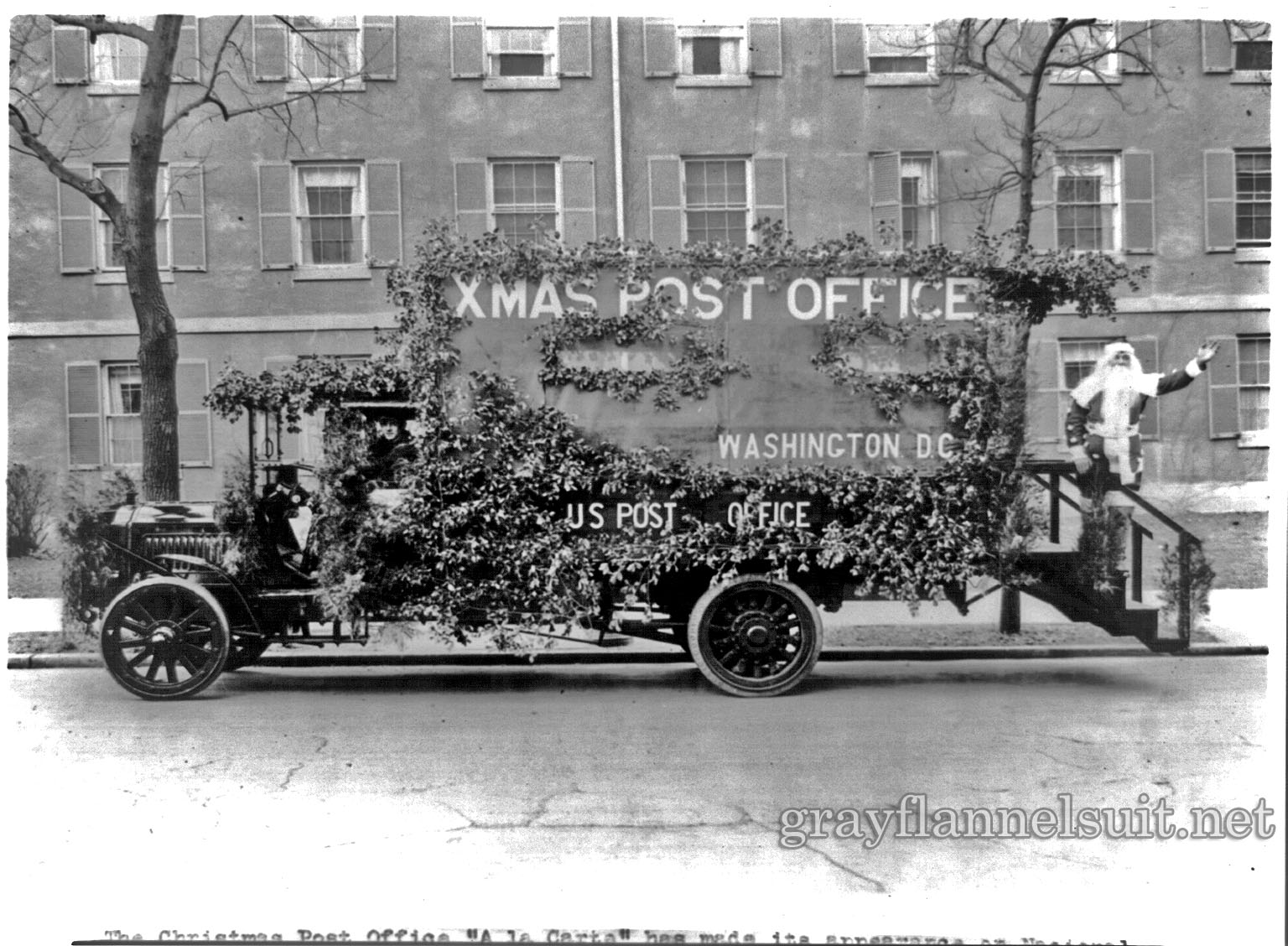 """The Christmas post office """"A la carte"""" has made its appearance on national capitol streets"""