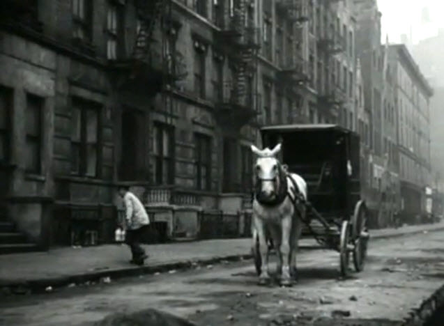 The Naked City (1948) screenshot