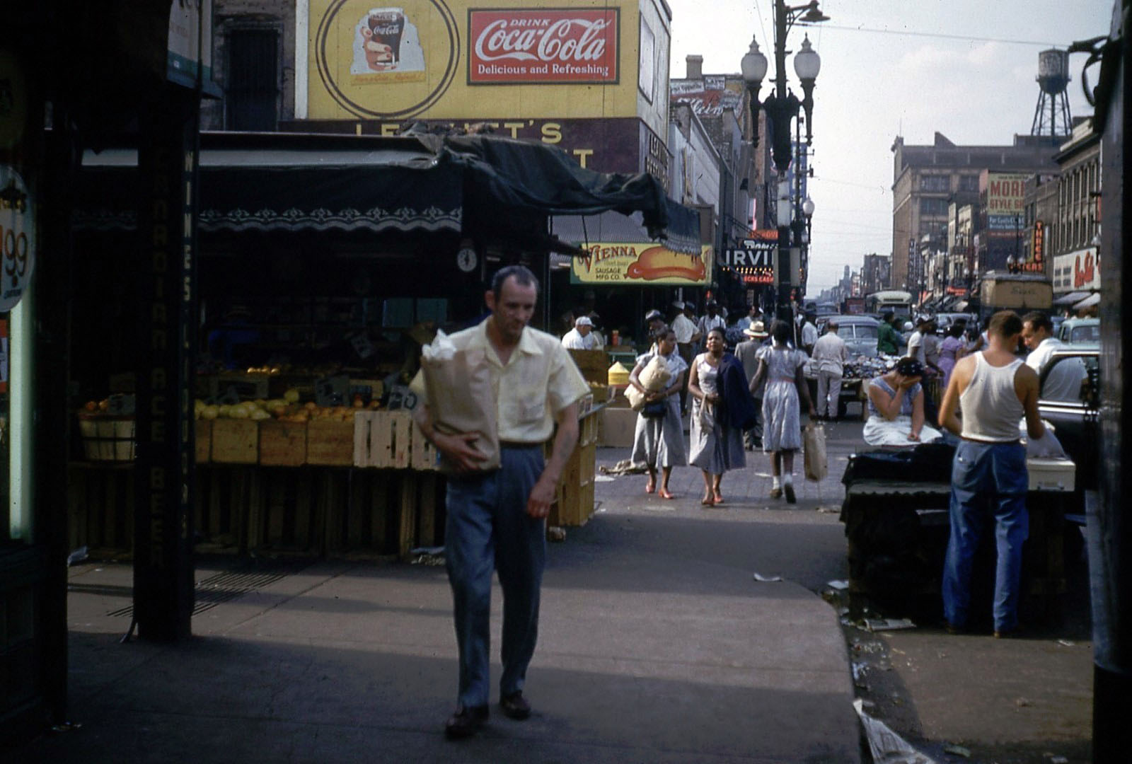 Kodachrome Chicago of 1953: Maxwell Street