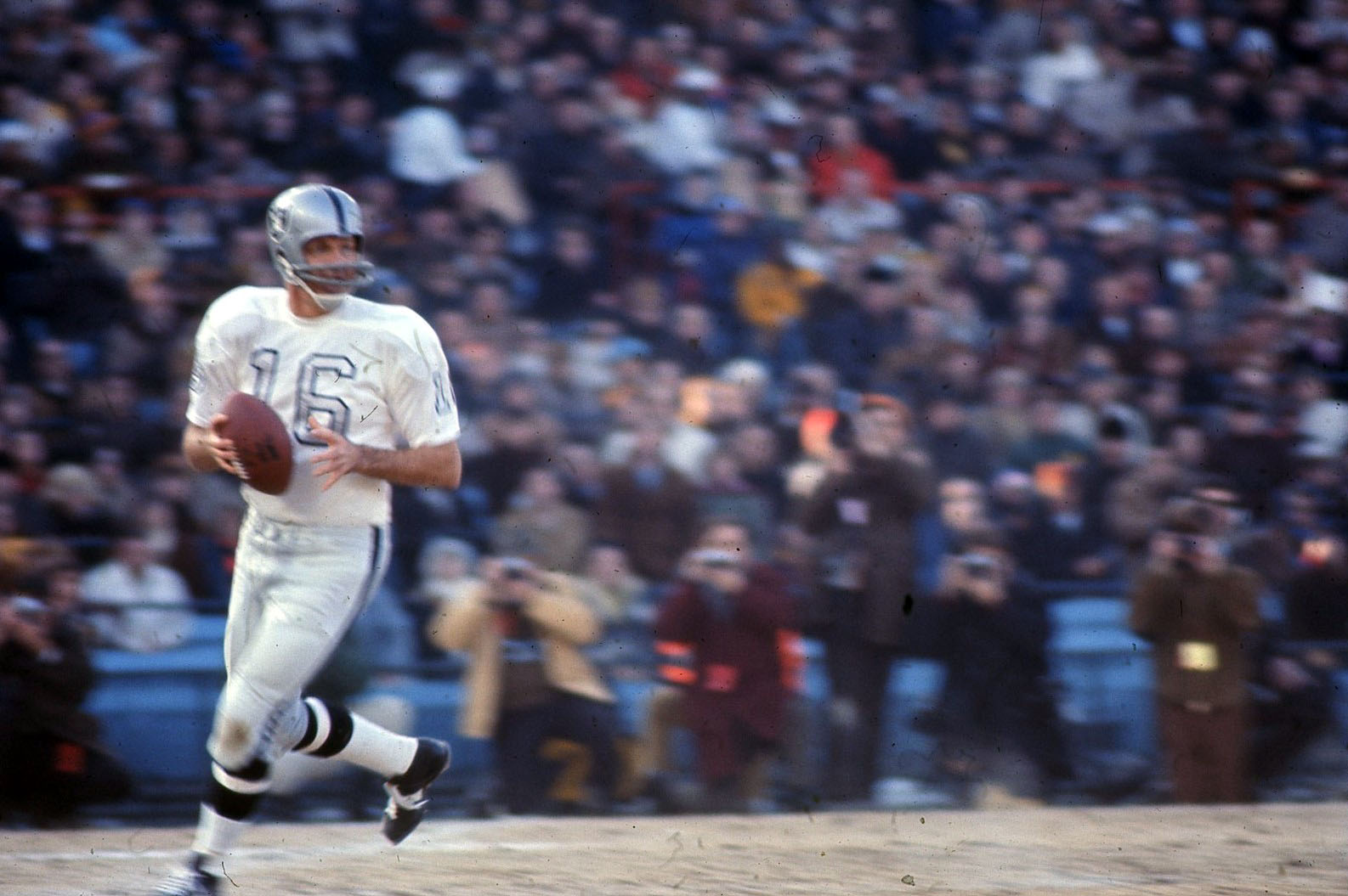 official photos 864be 0610f Football Friday Archives - Page 3 of 10 - The Man in the ...
