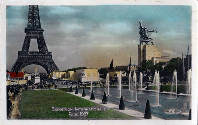 Vintage World's Fair postcard - Paris (1937)