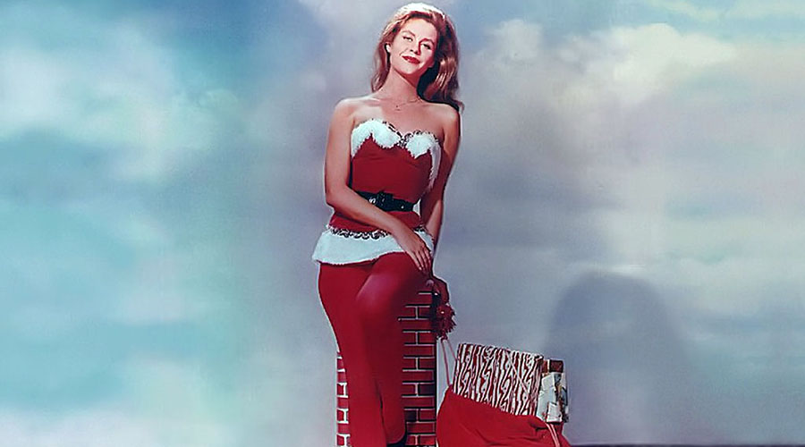 The 12 Vintage Pinups of Christmas