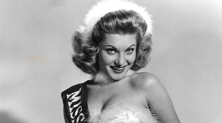 The 12 Vintage Pinups of Christmas Part 2