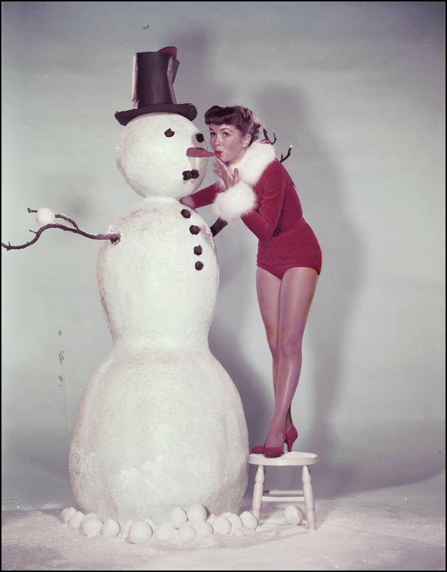 Vintage Christmas pinup - Debbie Reynolds