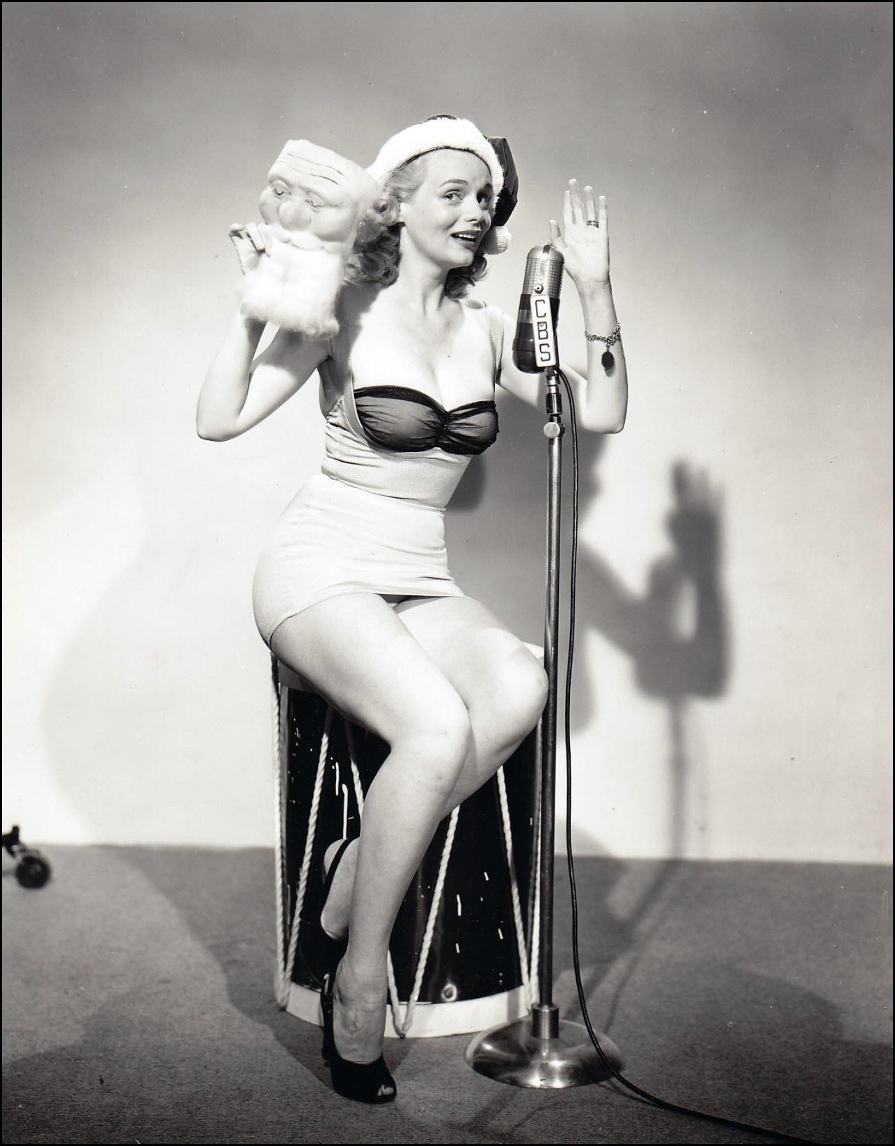 Vintage Christmas pinup - Marie Wilson