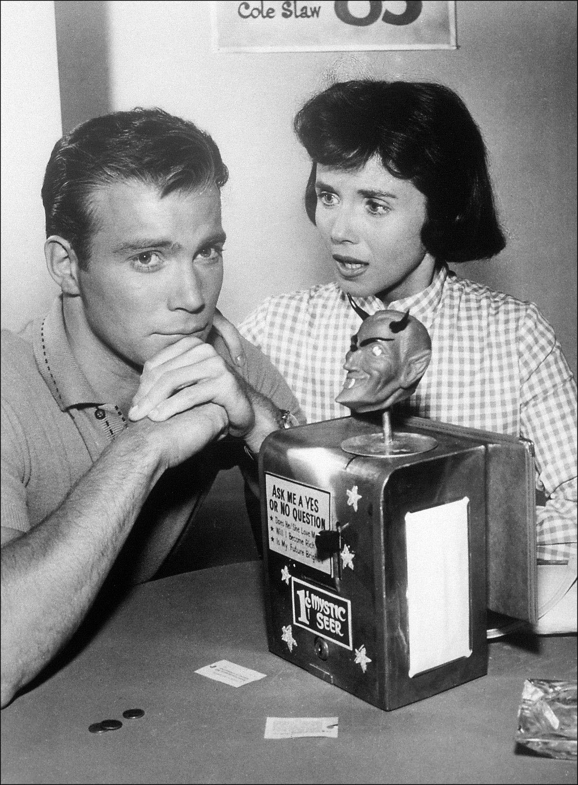 "William Shatner and Patricia Breslin, co-stars of the season two episode of The Twilight Zone entitled ""Nick of Time."""